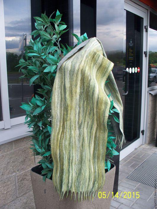 Шарфы и шарфики ручной работы. Ярмарка Мастеров - ручная работа. Купить Шарф валяный «Зелень листвы». Handmade. Зеленый, теплый
