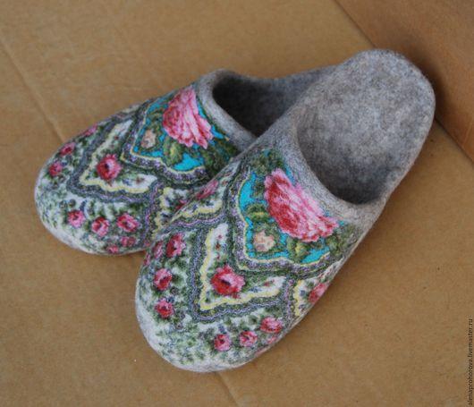 """Обувь ручной работы. Ярмарка Мастеров - ручная работа. Купить Войлочные тапочки  """"Чайная роза 3"""". Handmade. Бежевый"""