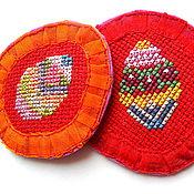 Подарки к праздникам ручной работы. Ярмарка Мастеров - ручная работа Пасхальные магнитики с вышивкой, красный, подарок, Пасха. Handmade.