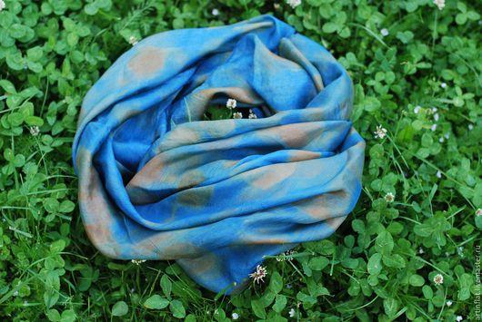 Шали, палантины ручной работы. Ярмарка Мастеров - ручная работа. Купить Платок шелковый синий с отпечатками листьев эвкалипта эко принт бохо. Handmade.