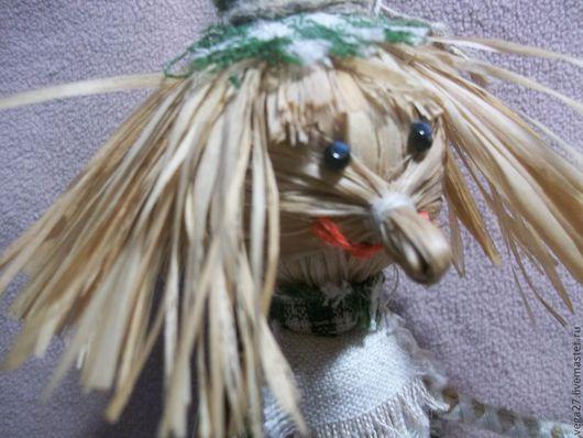 Домовёнок-девочка, кукла- оберёг. Куколка сделана из берёзового лыка,глазки из бисера. одежда из хлопка льна, мешковины