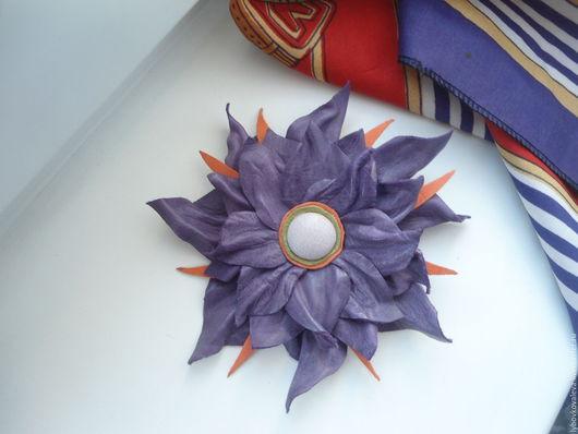 """Броши ручной работы. Ярмарка Мастеров - ручная работа. Купить Брошь-цветок """" Фиолетовая ночь"""" из кожи. Handmade. Брошь"""
