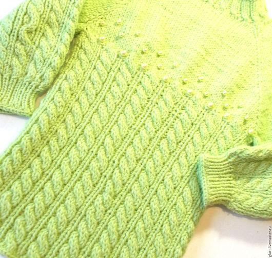 Одежда для девочек, ручной работы. Ярмарка Мастеров - ручная работа. Купить Яркий салатовый детский свитер полушерсть с жемчугом. Handmade.