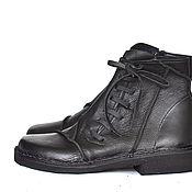 Обувь ручной работы. Ярмарка Мастеров - ручная работа Ботинки с кожаными шнурками. Handmade.