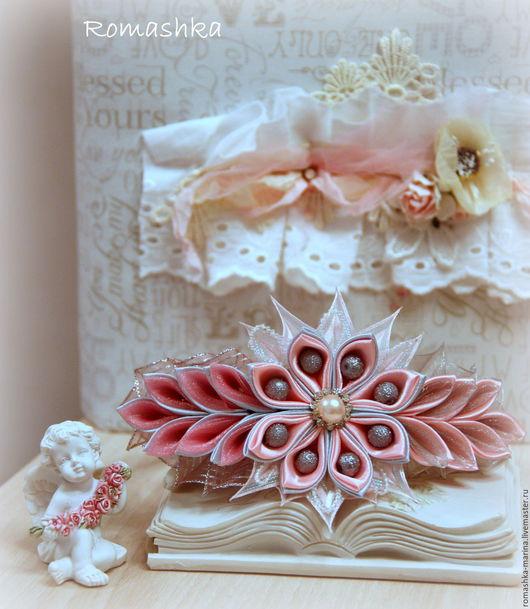 Ободок `Розовая дымка` выполнен в стиле канзаши. Работа Покусаевой Марины (Romashka)