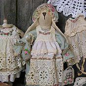 Куклы и игрушки ручной работы. Ярмарка Мастеров - ручная работа Заюшка-хозяюшка с уточкой в винтажно-мятном цвете.. Handmade.