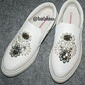 """Обувь ручной работы. Ярмарка Мастеров - ручная работа Слипоны с вышивкой """"Жемчуг"""". Handmade."""