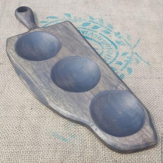 Кухня ручной работы. Ярмарка Мастеров - ручная работа. Купить Доска-менажница с тремя  углублениями из массива ореха. Handmade. Черный