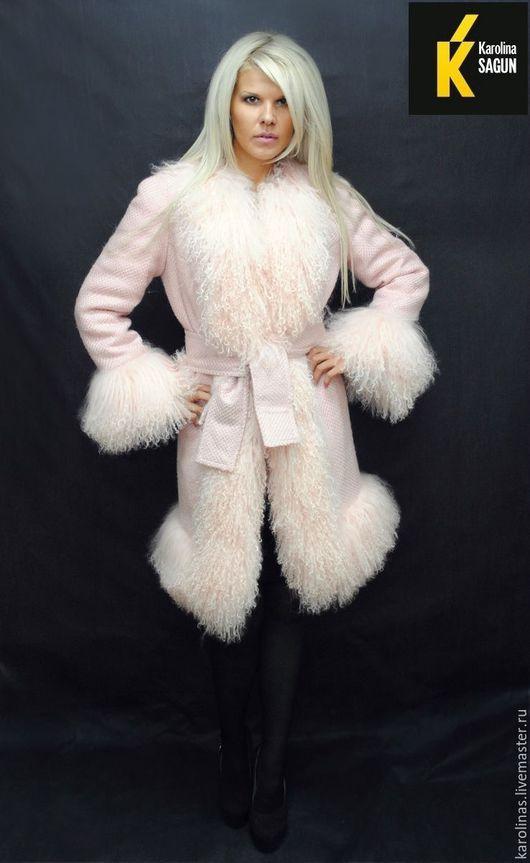 Верхняя одежда ручной работы. Ярмарка Мастеров - ручная работа. Купить Пальто из шерсти шанель с отделкой цельной пудровой ламой. Handmade.