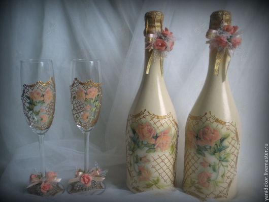 Свадебная бутылка и бокалы Коралловая Роза.Свадебные бокалы.Свадебные аксессуары.Оформление свадебной бутылки и бокалов
