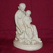 Винтаж handmade. Livemaster - original item A MOTHER AND A CHILD FEEDING CHICKENS. Motherhood. CHUDOVO, Krasny Farforist. Handmade.