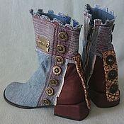 Обувь ручной работы. Ярмарка Мастеров - ручная работа Ботинки джинсовые высоки комбинированные с бордовой кожей, 3см. каблук. Handmade.