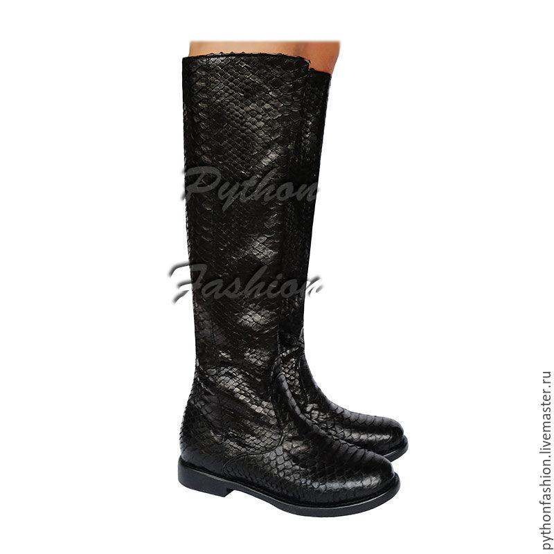 Сапоги из кожи питона. Красивые черные сапоги из кожи питона на молнии. Авторская обувь из кожи питона на заказ. Модные женские сапоги из кожи питона. Стильные демисезонные сапоги ручной работы.