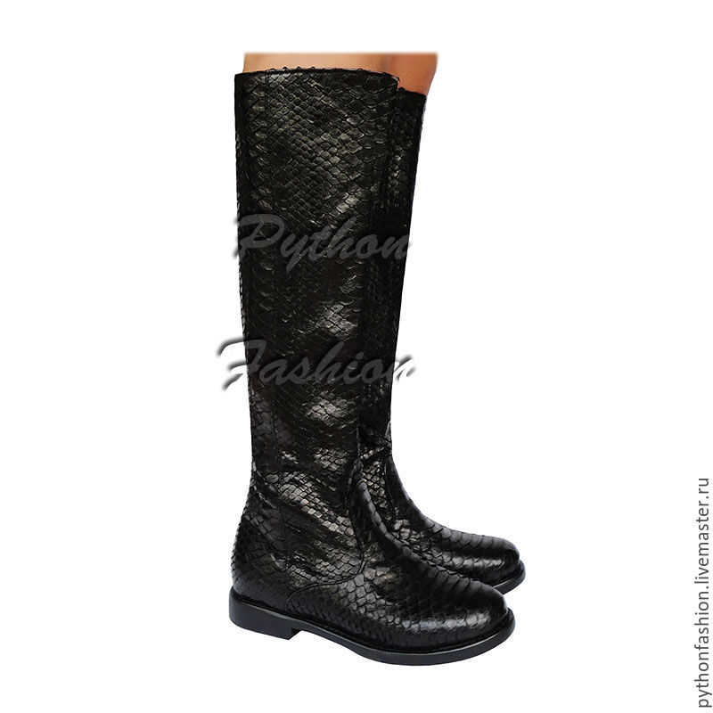 Boots Python skin. Beautiful black boots made of Python skin with zipper. Designer shoes made from Python custom. Fashionable women's boots from Python. Stylish boots handmade.
