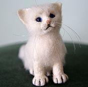 Куклы и игрушки handmade. Livemaster - original item felted wool toy. White kitten Snowball.. Handmade.