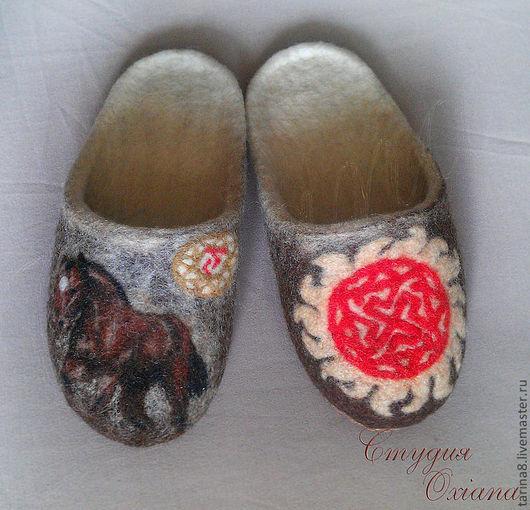 Обувь ручной работы. Ярмарка Мастеров - ручная работа. Купить Тапочки чертог Коня и символ Валькирия.. Handmade. Валяные тапочки