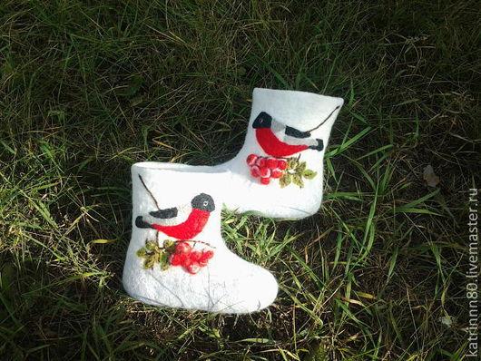 """Обувь ручной работы. Ярмарка Мастеров - ручная работа. Купить Валеночки """"Снегири-2"""" детские. Handmade. Белый, шерсть 100%"""