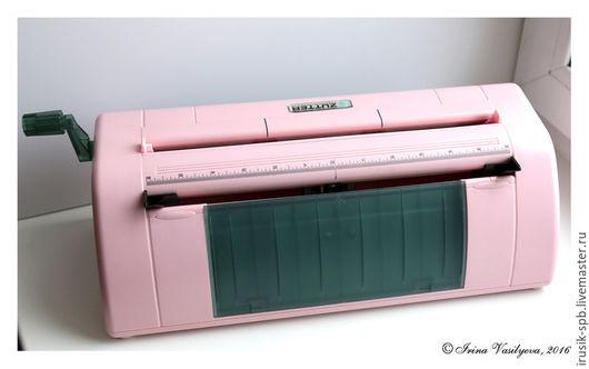 Открытки и скрапбукинг ручной работы. Ярмарка Мастеров - ручная работа. Купить Dreamkuts - машинка для форматной нарезки бумаги. Handmade. Розовый