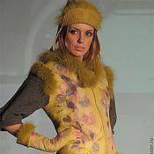 Одежда ручной работы. Ярмарка Мастеров - ручная работа Жилет Фиалки на желтом. Handmade.
