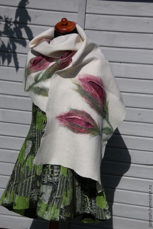"""Кофты и свитера ручной работы. Ярмарка Мастеров - ручная работа. Купить Валяный палантин """"Бутоны"""". Handmade. Цветочный, натуральный, пастельный"""