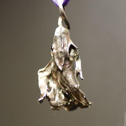 Кулоны, подвески ручной работы. Ярмарка Мастеров - ручная работа. Купить Кулон. Танцующий цветок.. Handmade. Кулон серебро, цветы