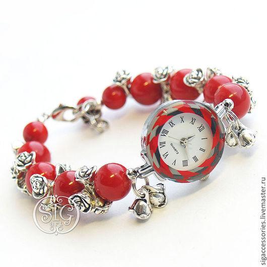 """Часы ручной работы. Ярмарка Мастеров - ручная работа. Купить """"Красные розы"""" - часы-браслет. Handmade. Ярко-красный"""