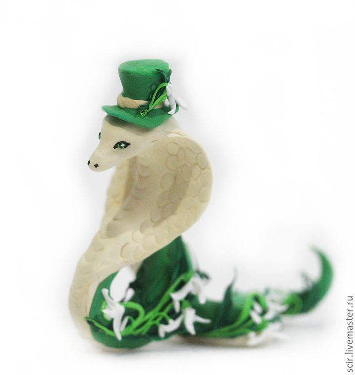 Игрушки животные, ручной работы. Ярмарка Мастеров - ручная работа. Купить Фигурка 'Змея с подснежниками' (зелёный). Handmade. Змея, зеленый