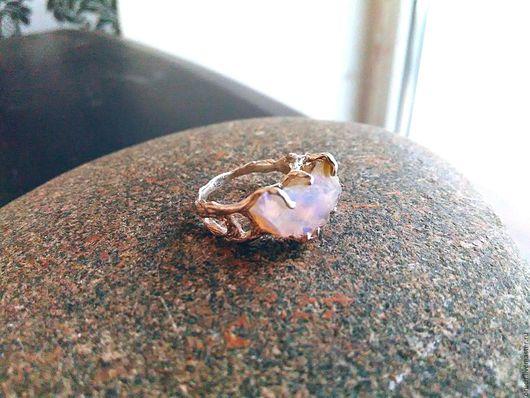 """Кольца ручной работы. Ярмарка Мастеров - ручная работа. Купить """"Осколок Вселенной"""". Handmade. Кольцо с опалом, кольцо с камнем, опал"""