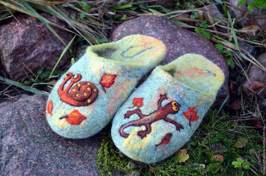 """Обувь ручной работы. Ярмарка Мастеров - ручная работа. Купить Тапки валяные женские """"Осень в сказочном лесу 2"""". Handmade."""