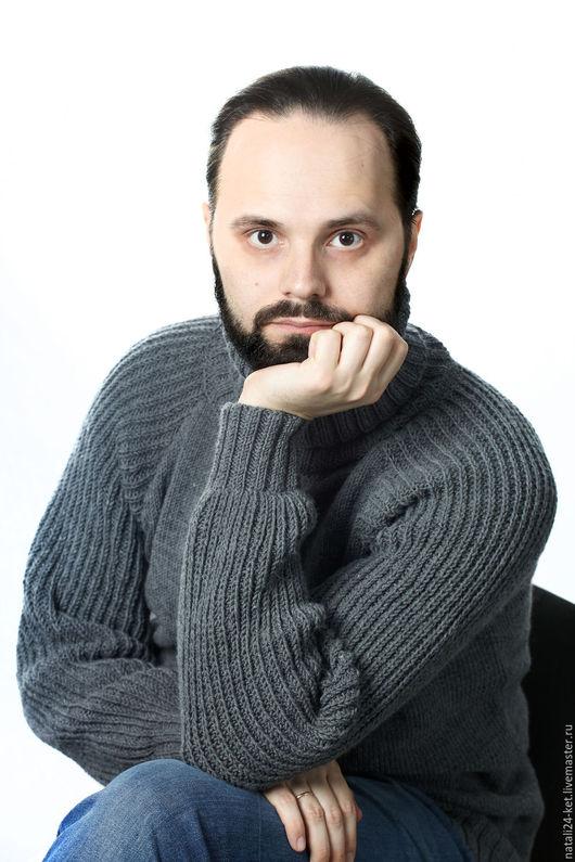 Для мужчин, ручной работы. Ярмарка Мастеров - ручная работа. Купить серый мужской свитер. Handmade. Серый, свитер, кашемир
