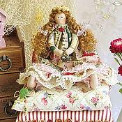 Куклы и игрушки ручной работы. Ярмарка Мастеров - ручная работа Принцесса на горошине с сундучком горошин. Handmade.