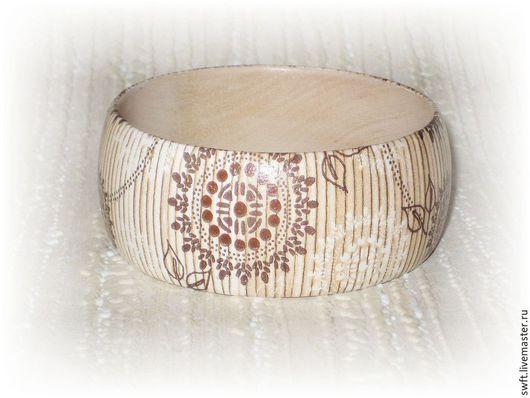 бежевый коричневый светло-коричневый натуральное дерево полосатый  в полоску недорогой браслет недорого подарок девушке девушке женщине день рождения 8 марта