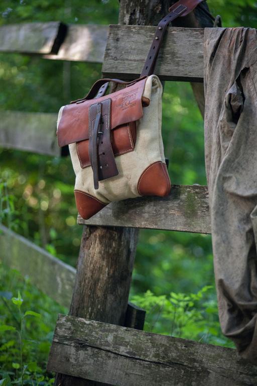 ручной работы. Ярмарка Мастеров - ручная работа. Купить почтовая сумка через плечо из состаренной кожи и винтажного конваса. Handmade.