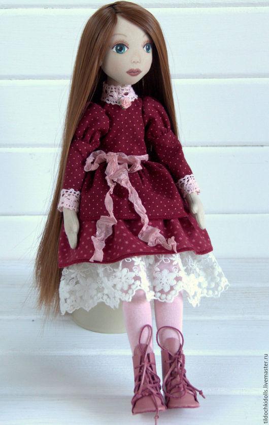 Коллекционные куклы ручной работы. Ярмарка Мастеров - ручная работа. Купить Текстильная кукла Ребекка. Handmade. Бордовый, кукла в подарок