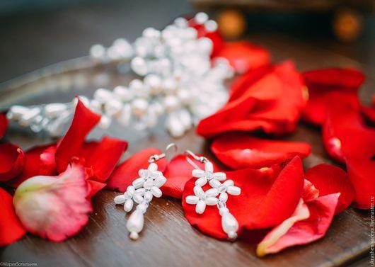 Свадебные украшения ручной работы. Ярмарка Мастеров - ручная работа. Купить Свадебные серьги из жемчуга. Handmade. Белый, серьги с жемчугом