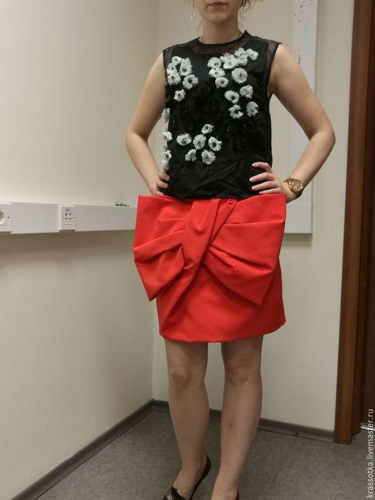 Юбки ручной работы. Ярмарка Мастеров - ручная работа. Купить Алая юбка с бантом. Handmade. Ярко-красный, на выпускной, скидка