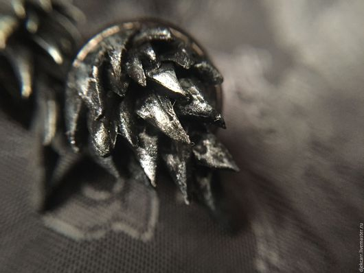"""Серьги ручной работы. Ярмарка Мастеров - ручная работа. Купить Сережки """"Винтерфелл"""". Handmade. Темно-серый, сережки гвоздики, рок"""
