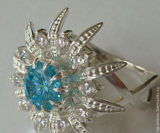 Кольца ручной работы. Ярмарка Мастеров - ручная работа. Купить Серебряное кольцо со SWISS BLUE TOPAZ. Handmade. Бирюзовый