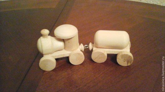 #1-  паровозик с 1 вагоном( бочкой)   цена 185 рубл.