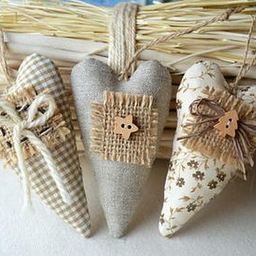 Куклы и игрушки ручной работы. Ярмарка Мастеров - ручная работа Новогодние тильда-сердечки в стиле бохо. Handmade.