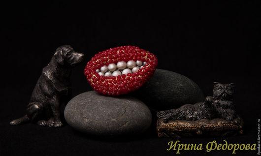 """Броши ручной работы. Ярмарка Мастеров - ручная работа. Купить Брошь """"Рубиновые губы"""". Handmade. Рубиновые губы, полимерная глина"""
