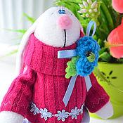 Куклы и игрушки ручной работы. Ярмарка Мастеров - ручная работа Зайка в свитере. Handmade.