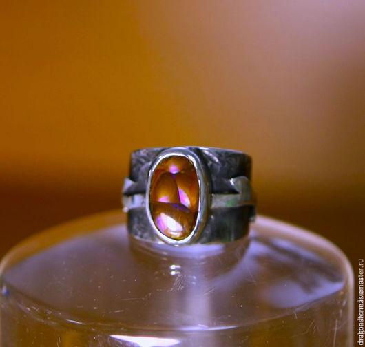 """Кольца ручной работы. Ярмарка Мастеров - ручная работа. Купить Кольцо """"Iris"""" с огненным агатом. Handmade. Фиолетовый, опал кабошон"""