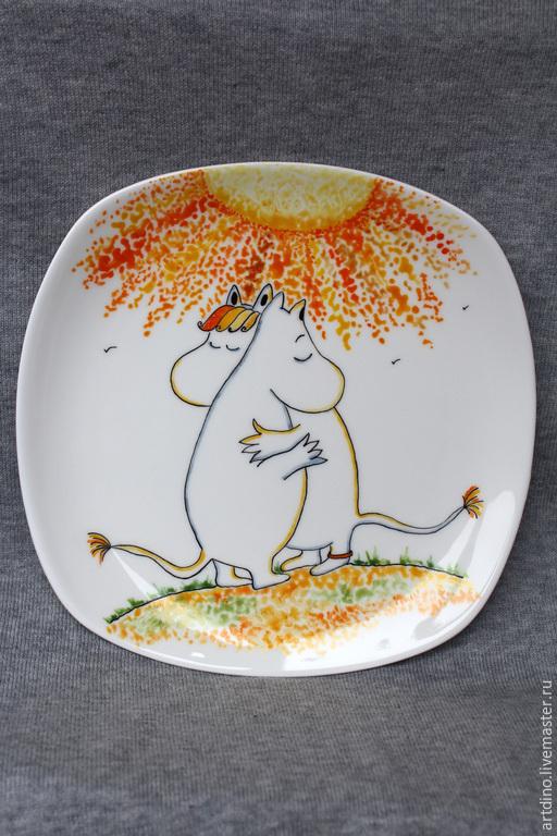"""Тарелки ручной работы. Ярмарка Мастеров - ручная работа. Купить Фарфоровая тарелка """"Муми Тролль"""". Handmade. Разноцветный, фарфор"""