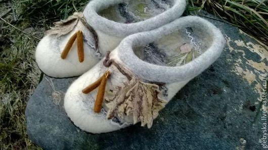 """Обувь ручной работы. Ярмарка Мастеров - ручная работа. Купить Тапочки """"Зимние березки"""". Handmade. Белый, домашняя обувь"""