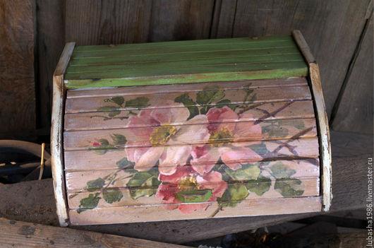 """Кухня ручной работы. Ярмарка Мастеров - ручная работа. Купить """"Ветка шиповника"""" хлебница. Handmade. Салатовый, сливочный цвет, дерево"""