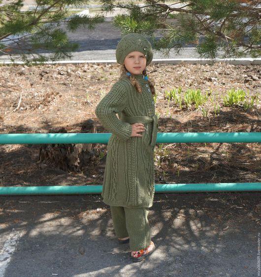 Одежда для девочек, ручной работы. Ярмарка Мастеров - ручная работа. Купить Вязаное пальто, берет и штанишки спицами. Handmade. Хаки