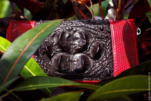 Кошелек из кожи крокодила и змеи. Кожа крокодила. Кожа змеи. Женский кошелек. Черно-красный кошелек.Купить кошелек. Кошелек на молнии. Кошелек ручная работа. Большой кошелек. Подарок. Подарок женщине.