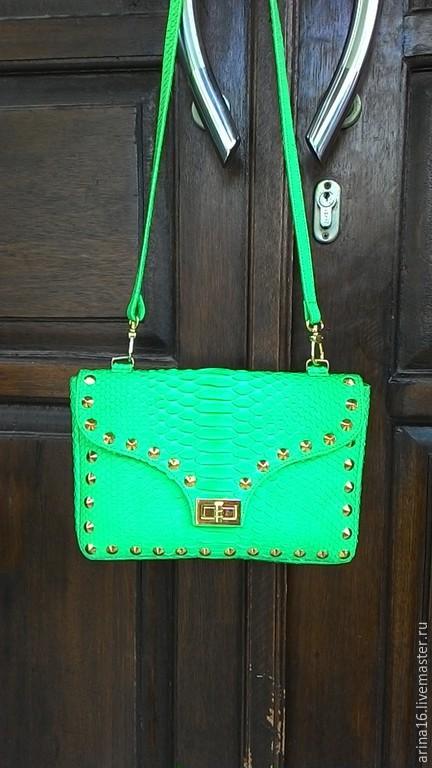 Женские сумки ручной работы. Ярмарка Мастеров - ручная работа. Купить Сумочка зеленая. Handmade. Ярко-зелёный, сумка из питона