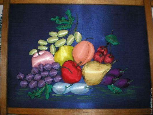 Фрукты. Имеются и картины с овощами.